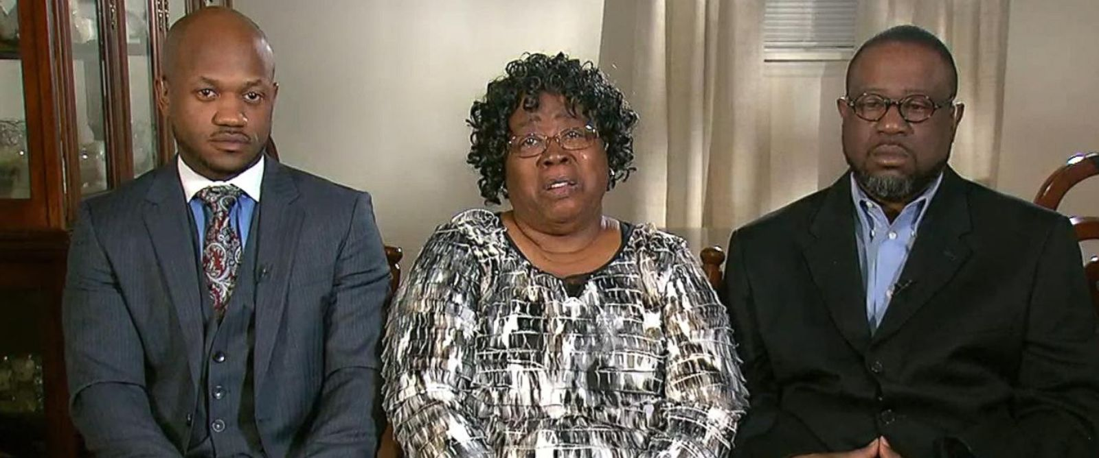 PHOTO: The relatives of Walter Scott say they are devastated by the deadly police shooting that ended Scotts life. From left, Walter Scotts mother, Judy Scott, Walter Scotts brother, Anthony Scott, and family attorney, Chris Stewart.