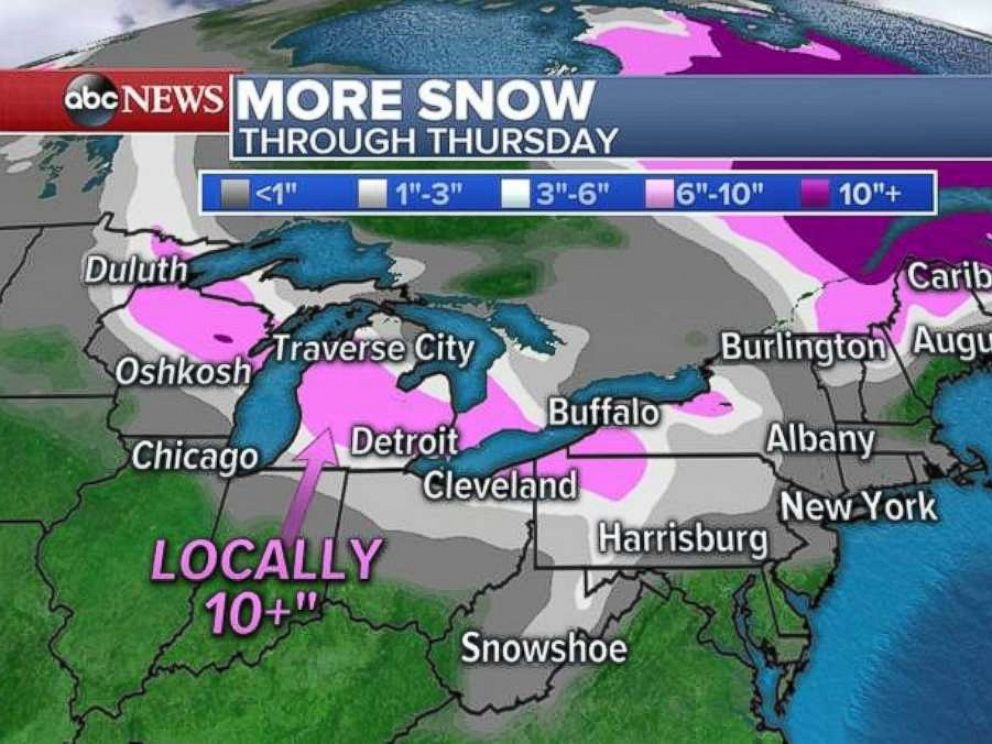 PHOTO: Areas close to major cities like Detroit and Cleveland could get as much as 10 inches of snow by Thursday.