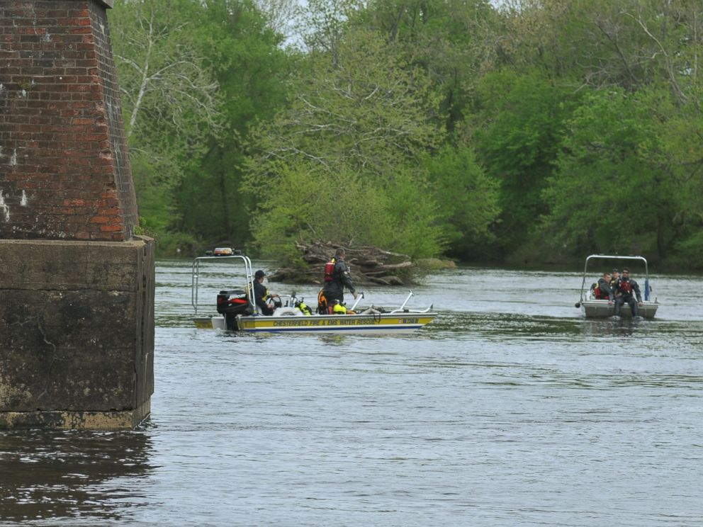 PHOTO: Chesterfield County, Va., Fire & EMS divers are seen April 22, 2013 searching the Appomattox River for two missing Virginia State University students who were made to walk into the river as a hazing ritual resulting in their drowning deaths.