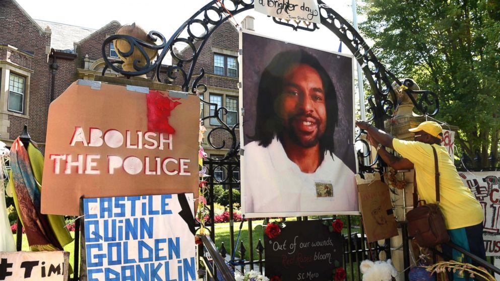 http://a.abcnews.com/images/US/AP-Philando-Castile-memorial-ml-161116_16x9_992.jpg