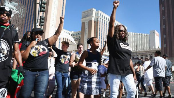 PHOTO: Protesters block Las Vegas Boulevard in front of The Venetian to protest the officer involved death of Tashii Brown, May 29, 2017, in Las Vegas.