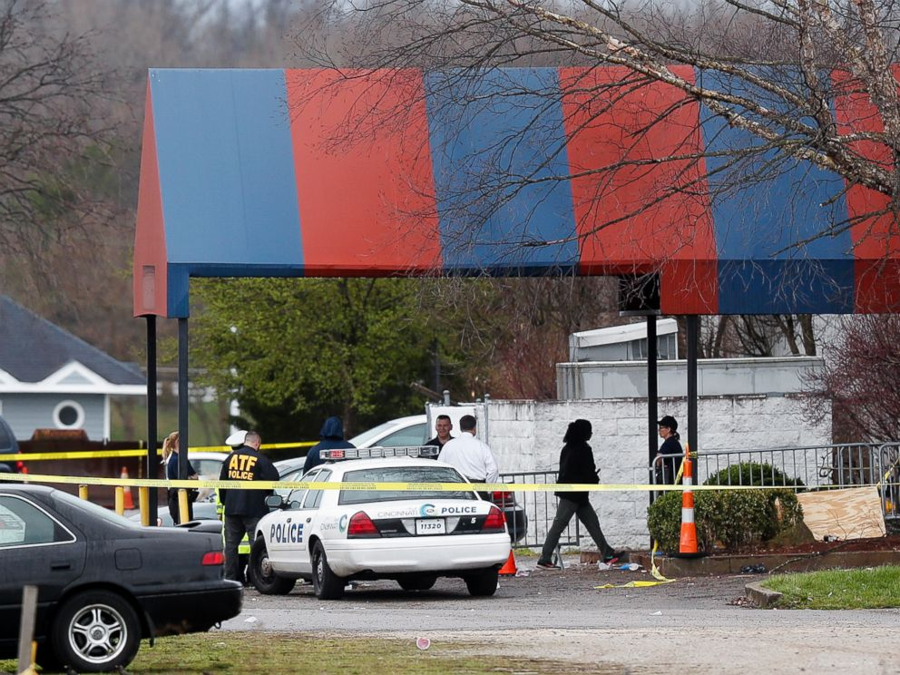 PHOTO: Members of the ATF and local police work at a crime scene at the Cameo club after a fatal shooting, March 26, 2017, in Cincinnati.