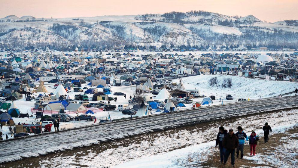 http://a.abcnews.com/images/US/AP-dakota-access-pipeline-02-jef-170208_16x9_992.jpg