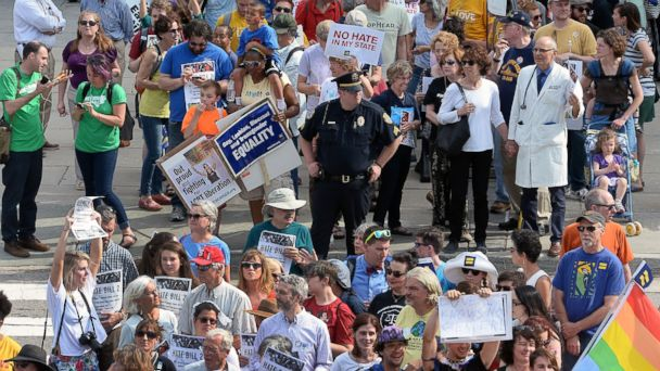 PHOTO: Protesters head into the Legislative building for a sit-in against House Bill 2 in Raleigh, N.C., April 25, 2016.