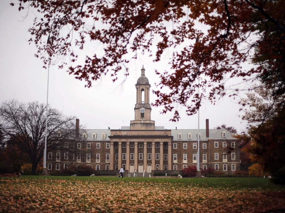 PHOTO: Old Main on the Penn State main campus in State College, Pa., Oct. 28, 2015.