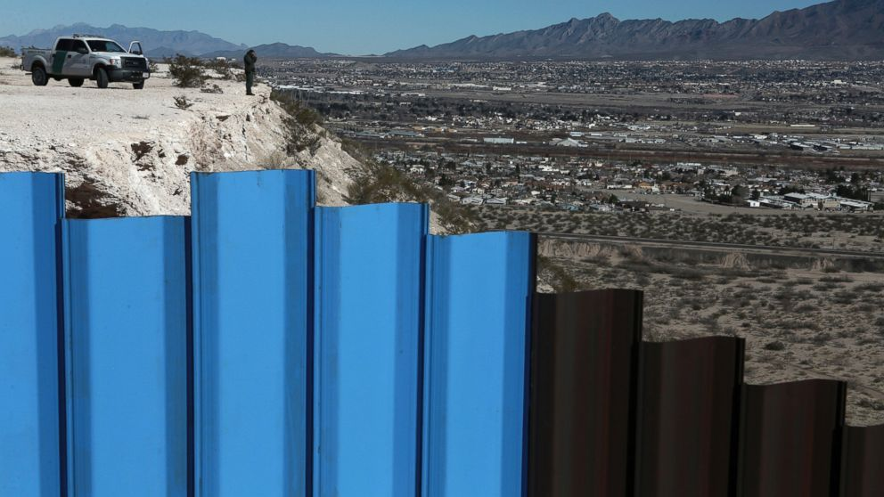 Trump opens the door to delaying funding of border wall
