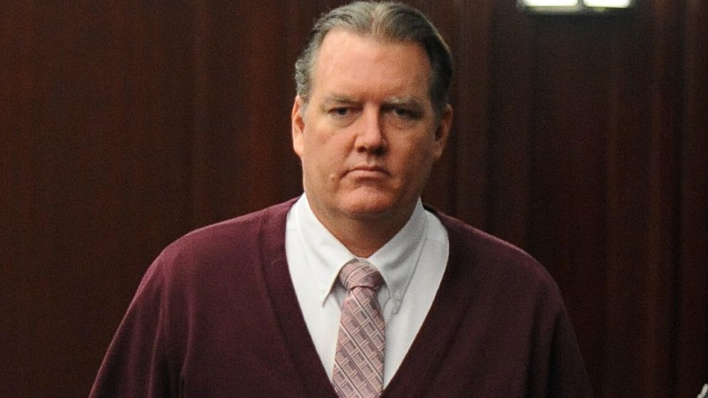 PHOTO: Michael Dunn returns to the courtroom during jury deliberations in his trial in Jacksonville, Fla., Thursday Feb. 13, 2014.