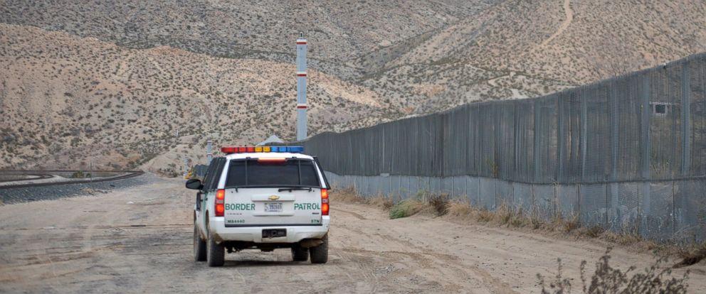 PHOTO: In this Jan. 4, 2016 photo, a U.S. Border Patrol agent patrols Sunland Park along the U.S.-Mexico border next to Ciudad Juarez, the New Mexico border town next to El Paso, Texas.