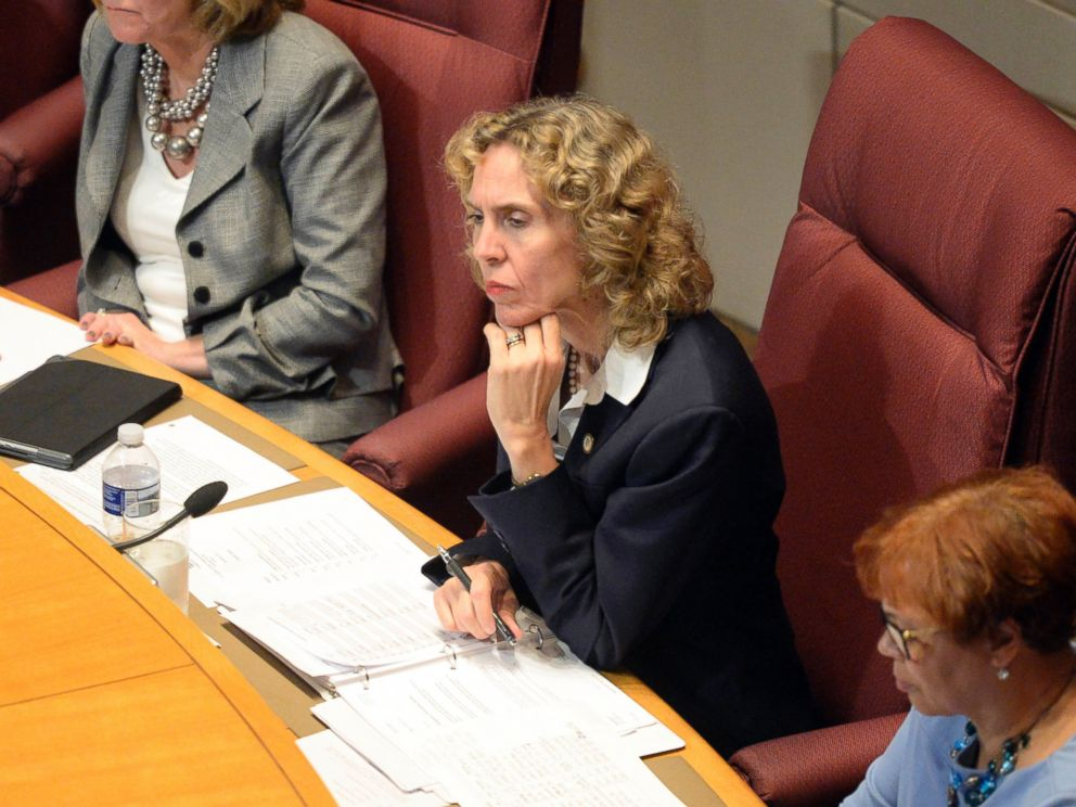 PHOTO: Charlotte Mayor Jennifer Roberts listens to a speaker at the Charlotte City Council meeting during time for public comments, mainly concerning last weeks shooting of Keith Lamont Scott, on Sept. 26, 2016, in Charlotte, North Carolina.