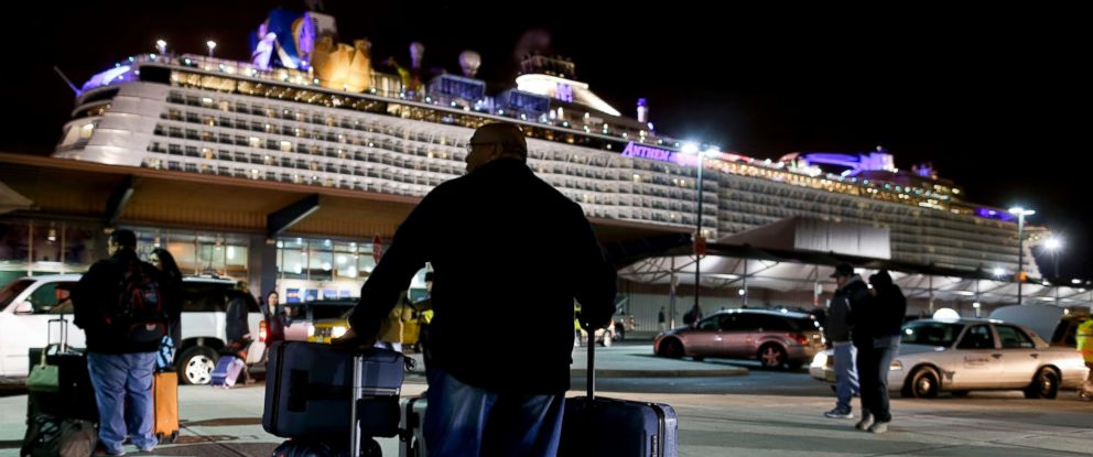 PHOTO: A passenger from the Royal Caribbean cruise ship, Anthem of the Seas, awaits transportation after arriving at Cape Liberty cruise port, Feb. 10, 2016, in Bayonne, N.J.