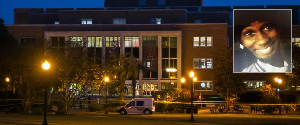 PHOTO: Tallahassee police investigate the overnight shooting inside and outside the Strozier library on the Florida State University campus in Tallahassee, Fla., Nov 20, 2014.