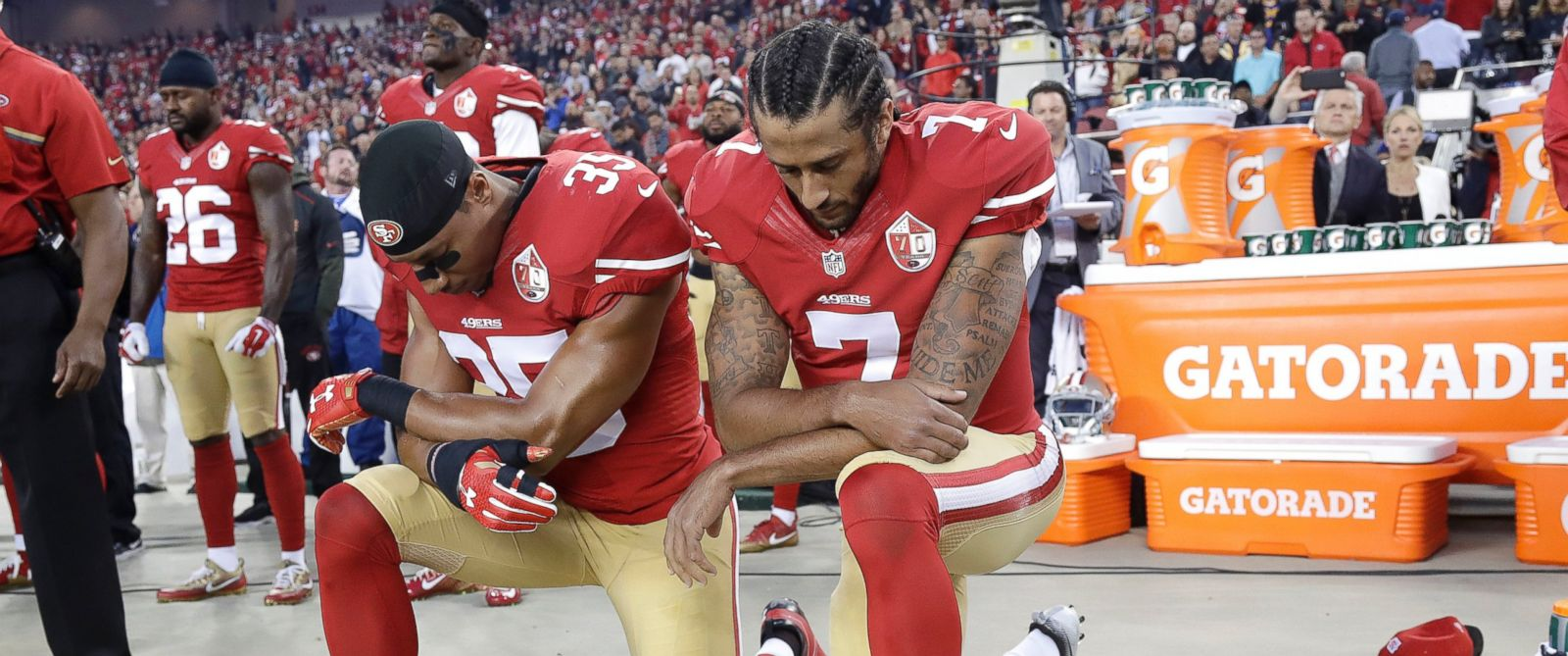 Colin Kaepernick Kneels During National Anthem on 'Monday ...
