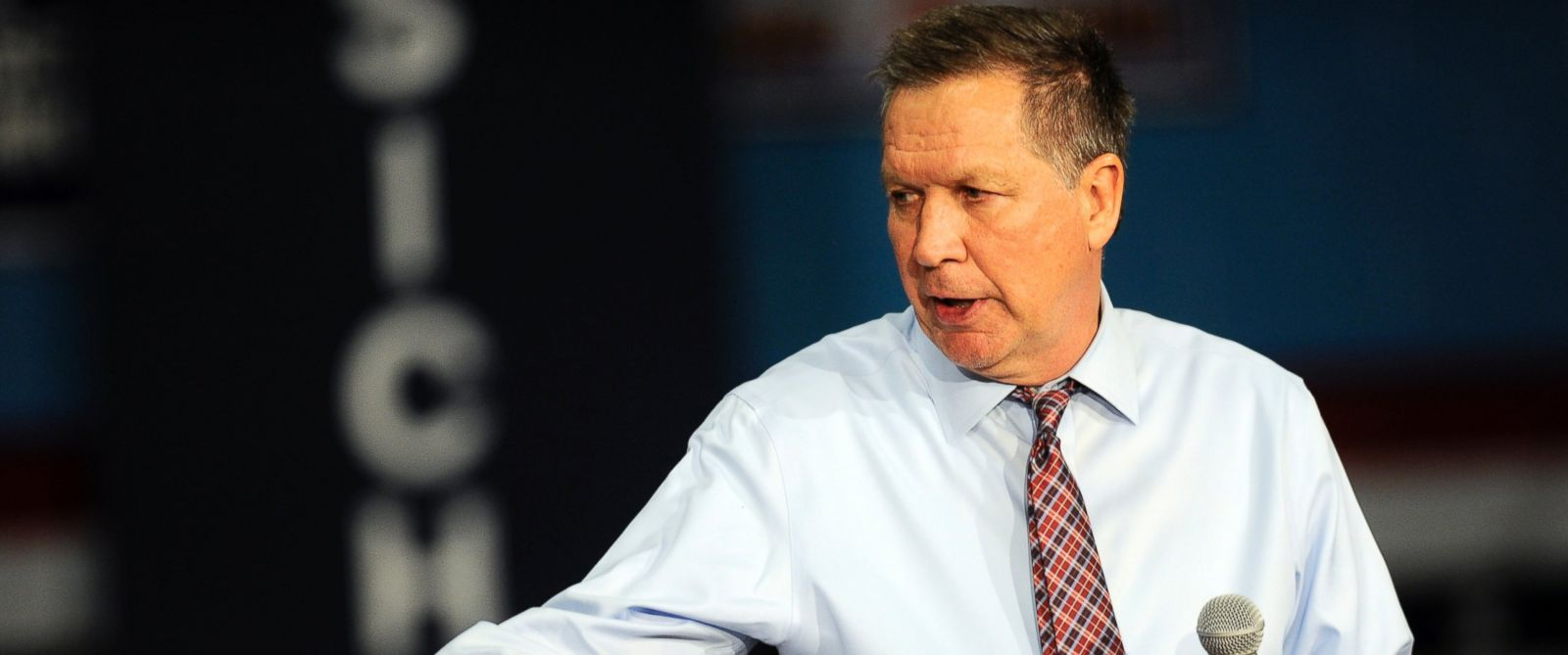 PHOTO: Republican presidential candidate, Ohio Gov. John Kasich speaks during a campaign event at the La Salle Institute on April 11, 2016, in Troy, N.Y.