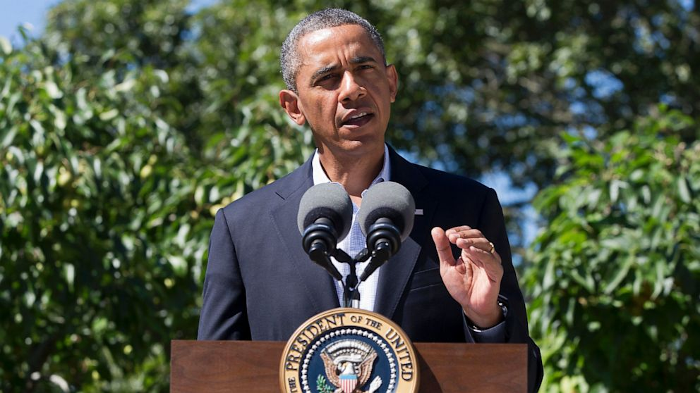 PHOTO: President Barack Obama makes a statement to the media regarding events in Egypt, from his rental vacation home in Chilmark Mass., on the island of Marthas Vineyard, on Aug. 15, 2013.