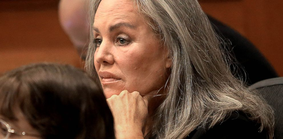 PHOTO: Defendant Pamela Phillips listens to her attorney talk to the jury as opening arguments commence Feb. 19, 2014, in Tucson, Ariz.