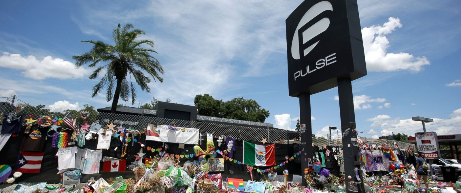 PHOTO: Photo taken shows a makeshift memorial outside the Pulse nightclub in Orlando, Florida on July 11, 2016.