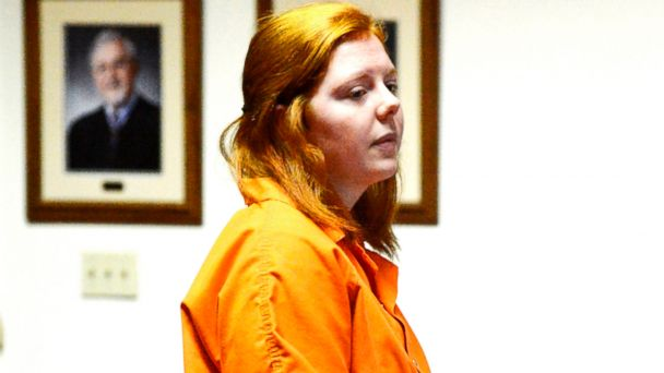 PHOTO: Rachel Shoaf speaks to the Neese Family during her sentencing hearing, Feb. 26, 2014, at Monongalia County Circuit Court in Morghantown, W.Va.