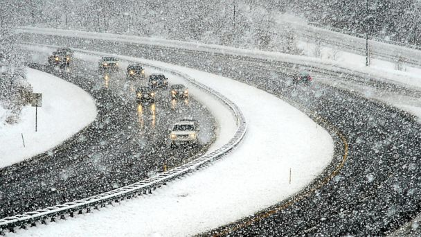 http://a.abcnews.com/images/US/AP_SNOW_141127_DG_16x9_608.jpg