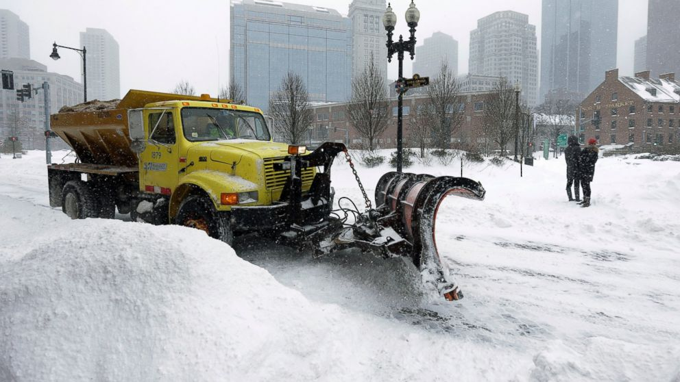 Blizzard 2015: Travel Ban Lifted in Massachusetts, but Storm's Impact Lingers