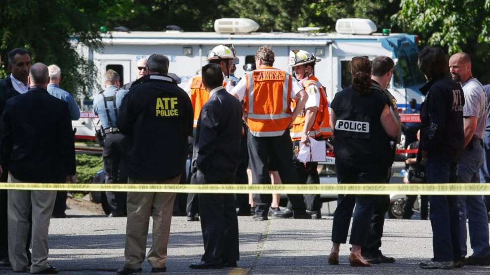 PHOTO: Authorities gather at the scene of a shooting, June 5, 2014 at Seattle Pacific University in Seattle.