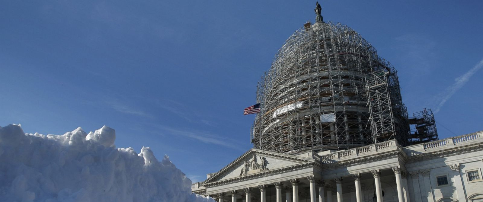PHOTO: A pile of shoveled snow stands in the plaza on the east side of the U.S. Capitol Jan. 21, 2016 in Washington.