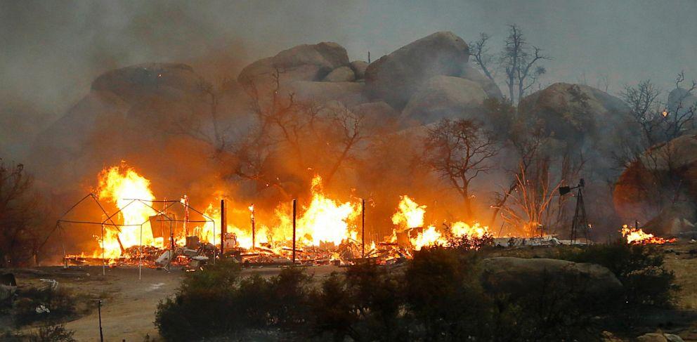 PHOTO: Yarnell Hill Fire burns in Arizona