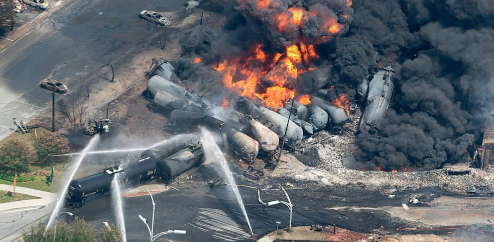 PHOTO: Canada train derailment