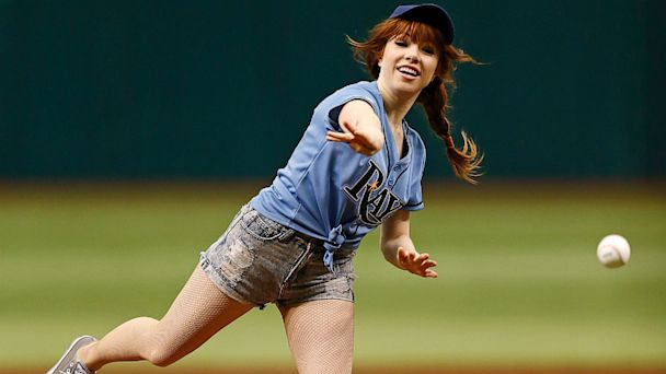 AP carly rae jepsen pitch jef 130715 16x9 608 See Carly Rae Jepsens Worst First Pitch Ever