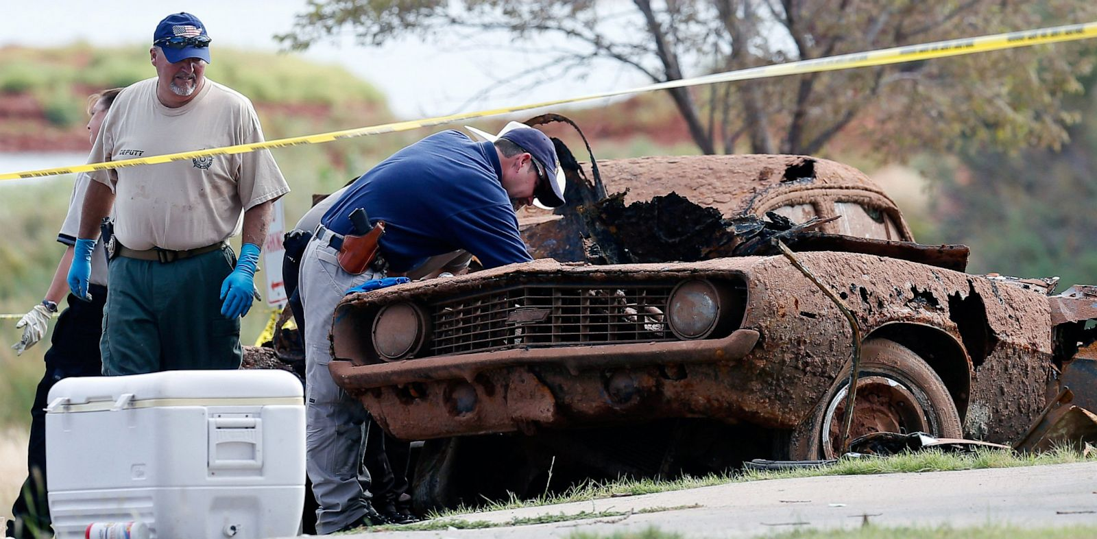 PHOTO: two cars pulled from Foss Lake