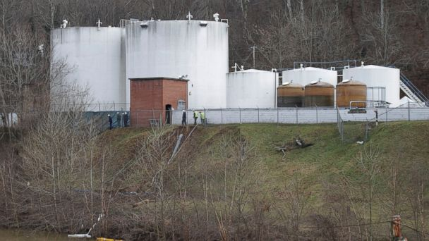 AP chemical leak ml 140114 16x9 608 Water Fine for Some in Charleston as Chemical Leak Reaches Cincinnati