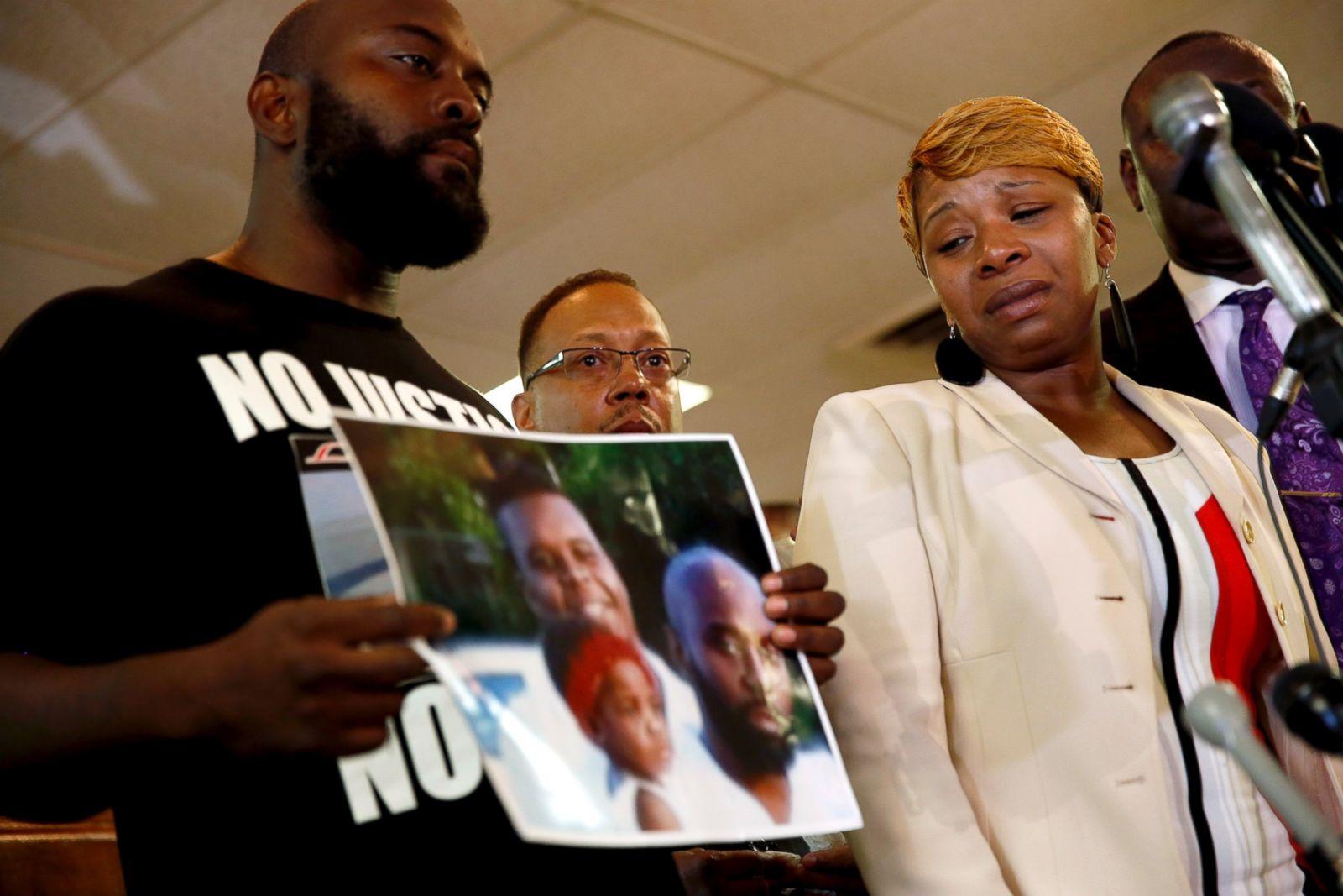 How Ferguson Reacted When Michael Brown Was Shot Photos - ABC News