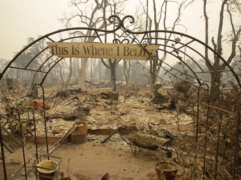 PHOTO:A sign hangs above an entryway to a home destroyed by fire, Sept. 13, 2015, in Middletown, Calif.
