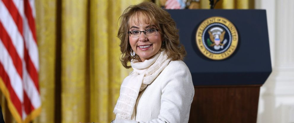 PHOTO: Gabby Giffords arrives in the East Room of the White House in Washington to hear President Obama speak about steps his administration is taking to reduce gun violence, Jan. 5, 2016.