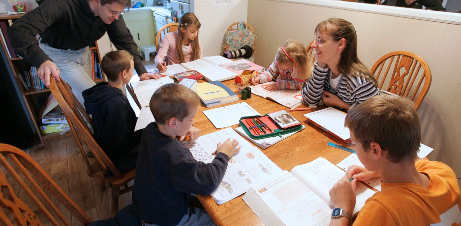 PHOTO: This March 13, 2009 file photo shows Uwe Romeike, top left, and his wife Hannelore, second from right, teaching their children at their home in Morristown, Tenn.