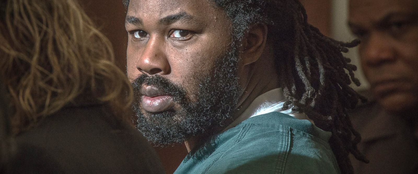 PHOTO: Jesse Matthew Jr., looks toward the gallery while appearing in court in Fairfax, Va.