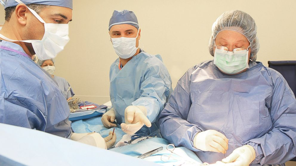 PHOTO: This Sept. 30, 2011 image shows, from left, Radiation Oncologist Ajay Bhatnagar, Surgeon Ramon Mourelo, and Surgeon Joyce Bonenberger, conducting the first Intra-Operative Radiation Therapy procedure in the state of Arizona, in Casa Grande, Ariz.