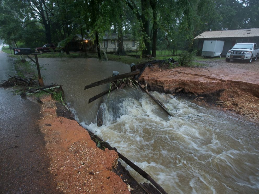 PHOTO: High water threatens homes and businesses in Amite, Louisiana ...