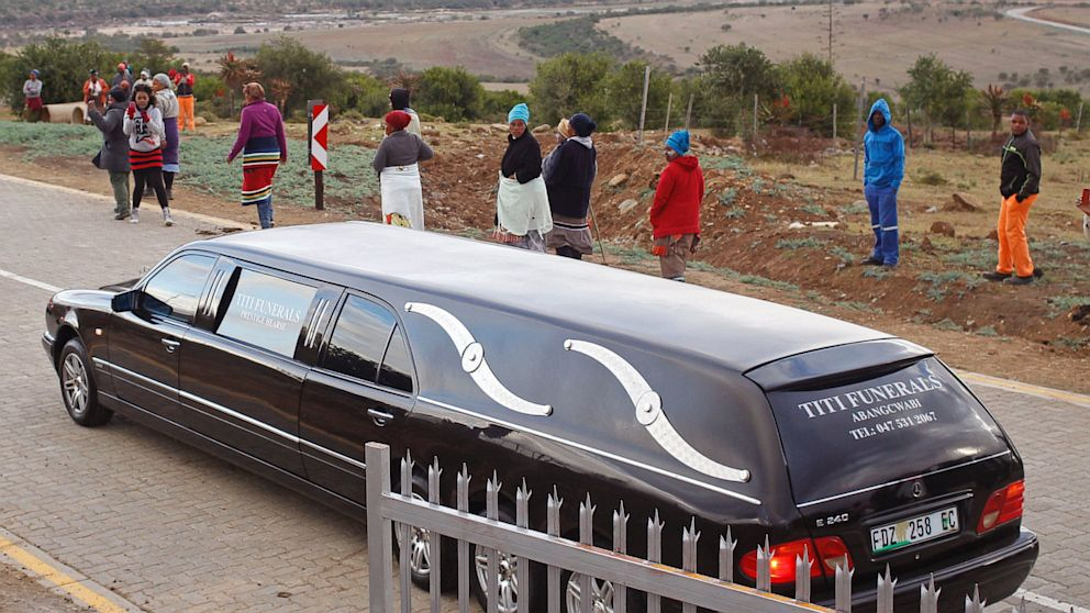PHOTO: Mandela Family Grave Transfer