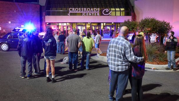 Nine Hurt in Minnesota Mall Knife Attack, Suspect Killed