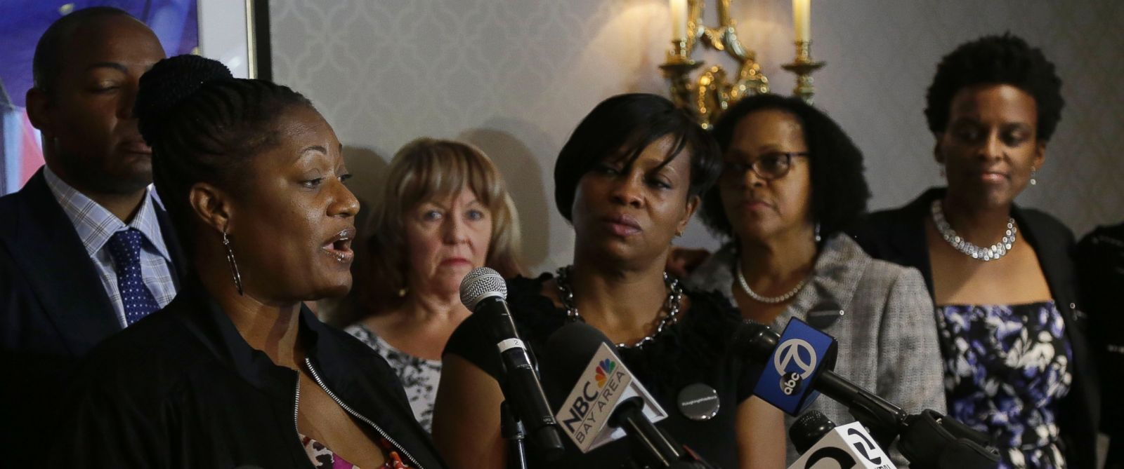 PHOTO: Tira McDonald, left, one of the plaintiffs filing a lawsuit over their ejection from a Napa Valley Wine Train, speaks at a news conference, Oct. 1, 2015, in San Francisco.