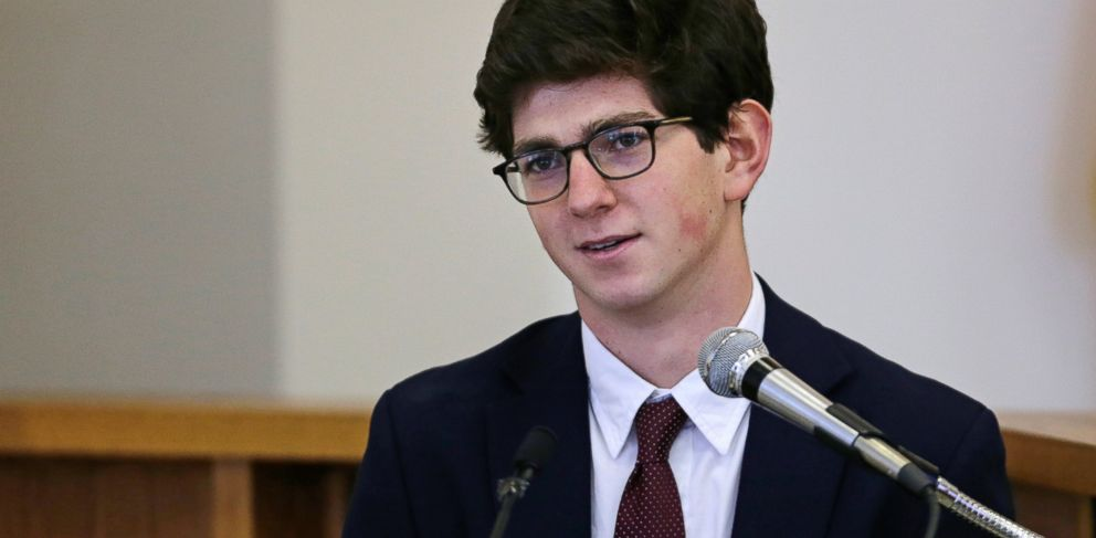PHOTO: Former St. Pauls School student Owen Labrie testifies in his trial at Merrimack Superior Court in Concord, N.H., Aug. 26, 2015.
