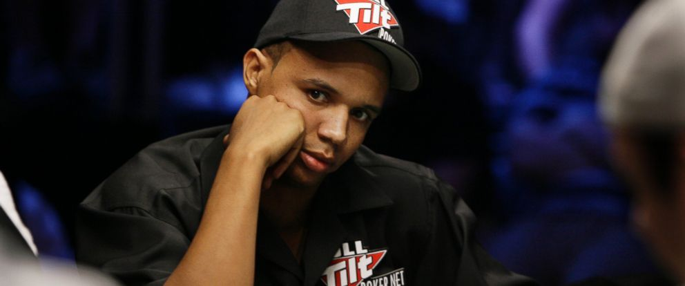 PHOTO: Phil Ivey looks up during the World Series of Poker at the Rio Hotel and Casino in Las Vegas, July 15, 2009.