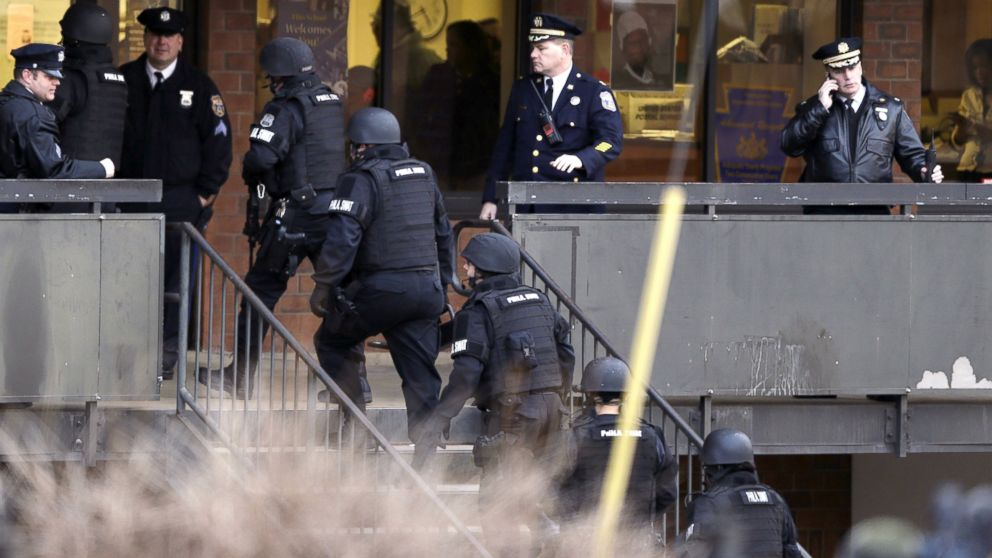 PHOTO: Police enter the Delaware Valley Charter School in Philadelphia, Jan. 17, 2014. Police say two students have been shot at a Philadelphia high school.