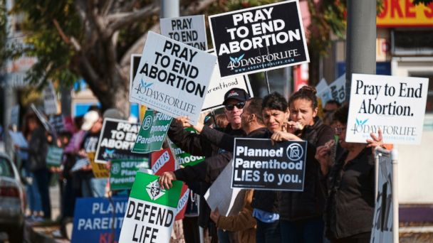 Planned Parenthood offices are scene of protests for and against abortion