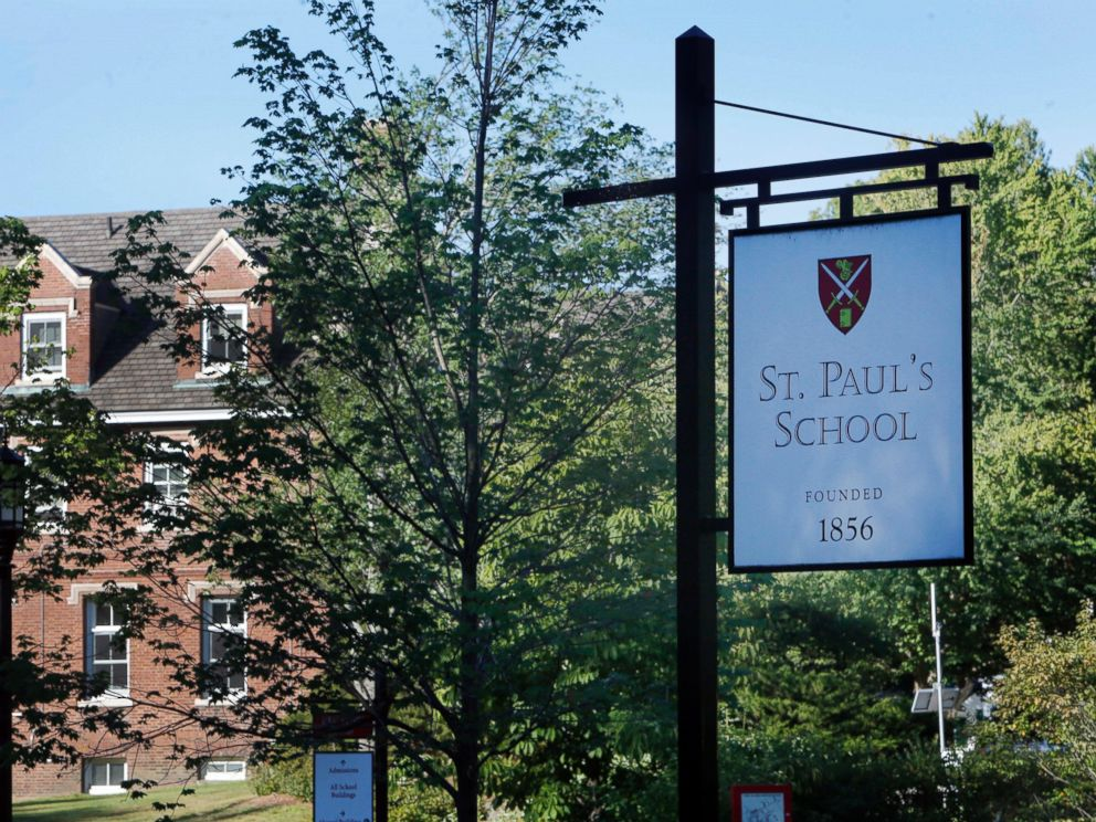 PHOTO:The entrance to the elite St. Pauls School is seen, Aug. 14, 2015 in Concord, N.H.