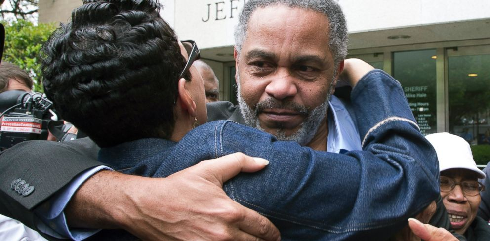 PHOTO: Pat Turner, left, hugs Anthony Ray Hinton as he leaves the Jefferson County jail, Friday, April 3, 2015, in Birmingham, Ala.