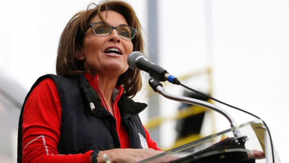 PHOTO: Former Alaska Gov. Sarah Palin speaks during a rally in New Egypt