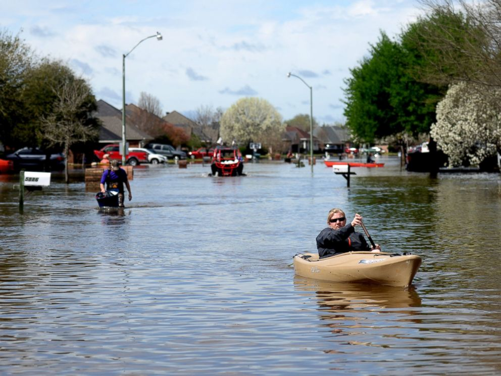 Devastating Flooding Turns Louisiana Roads Into Rivers ...