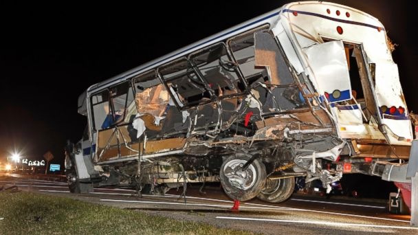http://a.abcnews.com/images/US/AP_softball_bus_crash_Oklahoma_bc_140927_16x9_608.jpg