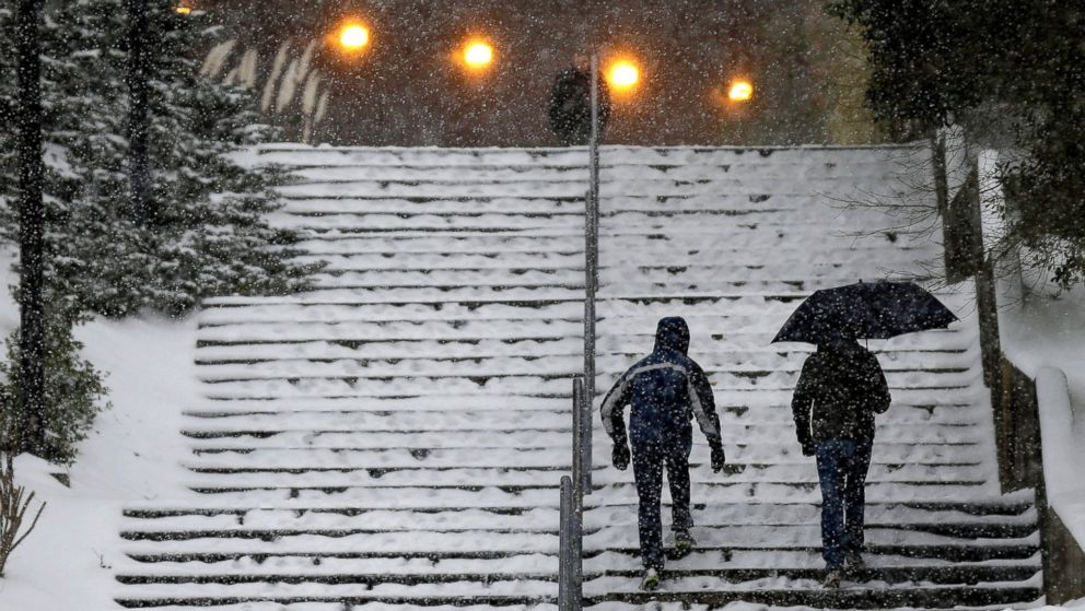 PHOTO: Pedestrians maneuver a new stairway away from Dean E. In spite of officials' promises after getting a crippling ice storm in 2011, the particular Jan. paralyzing ... I was completely blindsided,